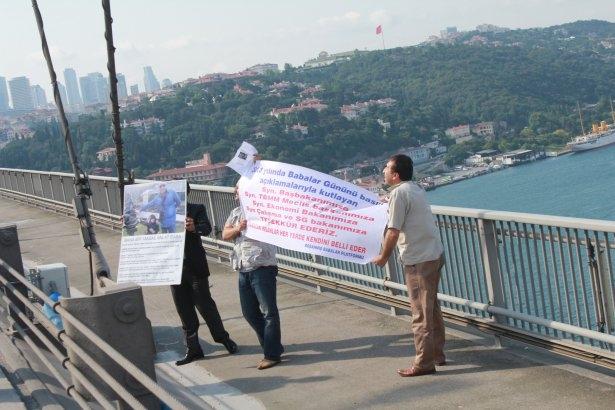 Boğaziçi Köprüsü'nde 'Babalar Günü' eylemi 1