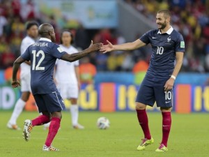 Fransa Benzema'yla güle oynaya...