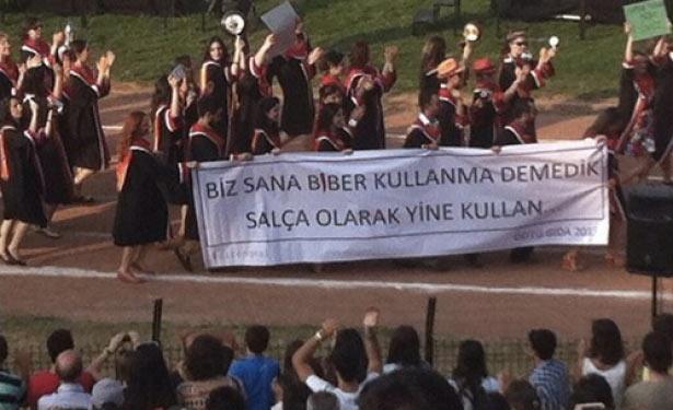 ODTÜ mezuniyet töreninden kötü esprili pankartlar 13