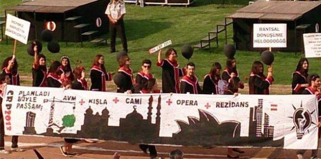 ODTÜ mezuniyet töreninden kötü esprili pankartlar 18