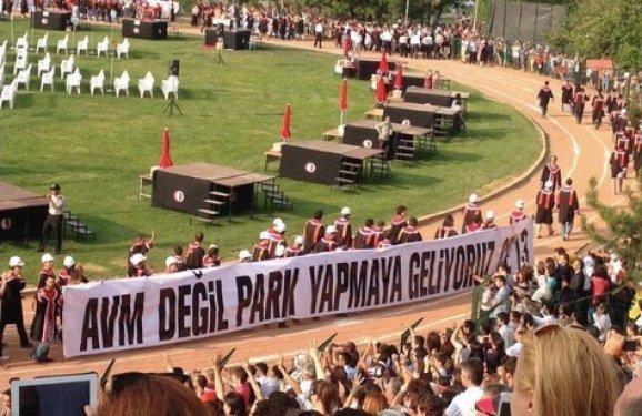 ODTÜ mezuniyet töreninden kötü esprili pankartlar 23
