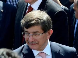 Erdoğan'la Davutoğlu Cuma'yı beraber kıldı