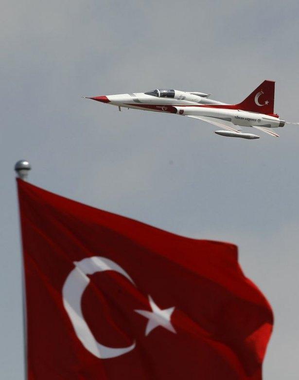 Türk Yıldızları nefes kesti 1