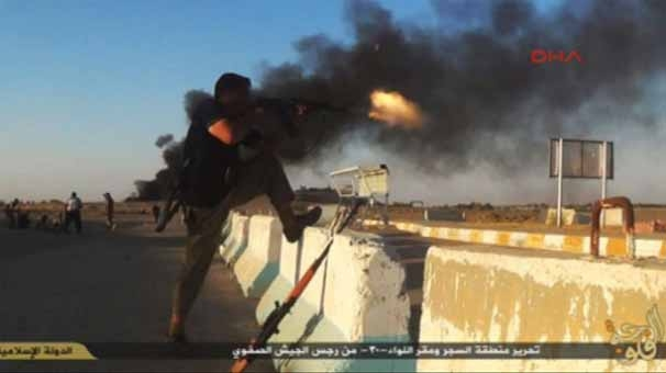 IŞİD, korkunç katliamın fotoğraflarını yayınladı 2