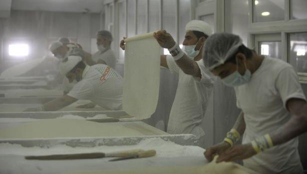 Gaziantepli ustalar baklavaları böyle hazırlıyor! 5