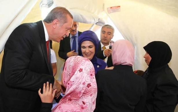 Erdoğan çadırkentte Suriyelileri ziyaret etti 3