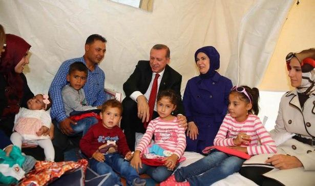 Erdoğan çadırkentte Suriyelileri ziyaret etti 5