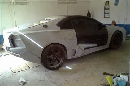 Lamborghini görünümlü Mitsubishi 33