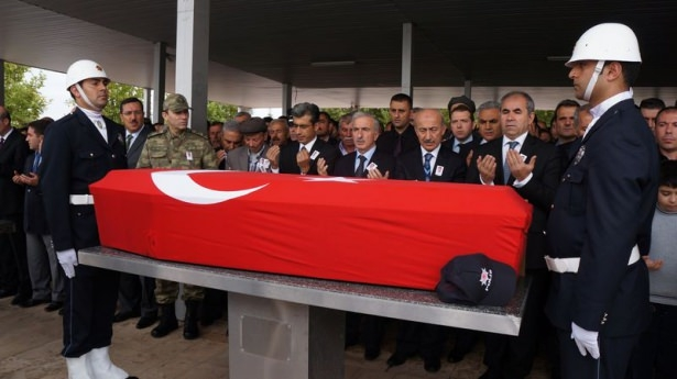 Şehit polisler son yolculuğuna uğurlandı 12