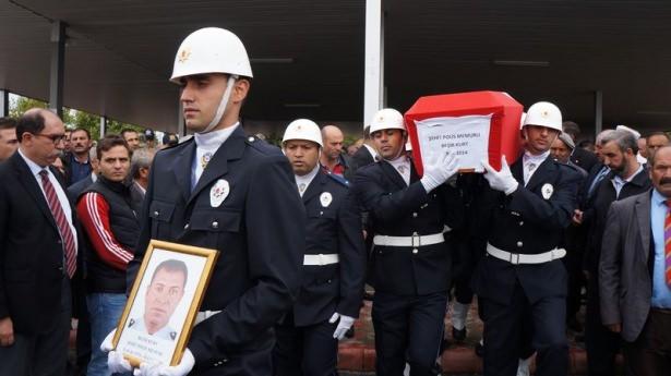 Şehit polisler son yolculuğuna uğurlandı 13