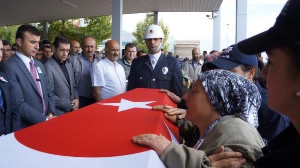 Şehit polisler son yolculuğuna uğurlandı 14
