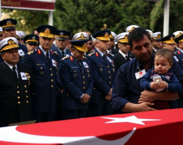 Şehit polisler son yolculuğuna uğurlandı 3