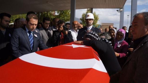 Şehit polisler son yolculuğuna uğurlandı 7
