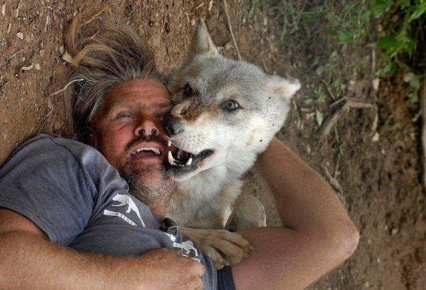 Vahşi hayvanlar ile yaşayan korkusuz insanlar 27