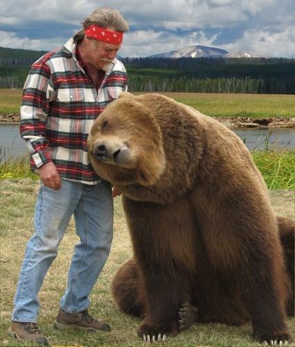 Vahşi hayvanlar ile yaşayan korkusuz insanlar 45