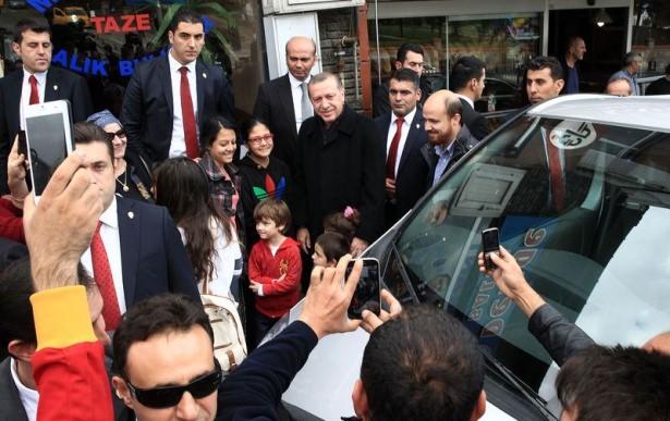Erdoğan, oğlu ve torunuyla market alışverişinde 4