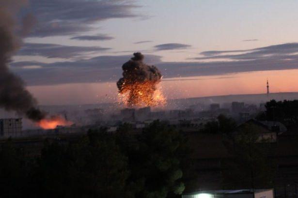 IŞİD Kobani'yi alev topuna çevirdi 13