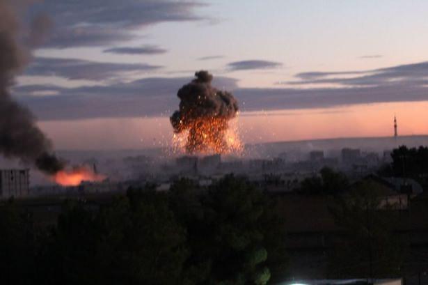 IŞİD Kobani'yi alev topuna çevirdi 14