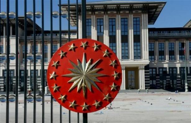 Yeni Cumhurbaşkanlığı binasına tabela asıldı 25