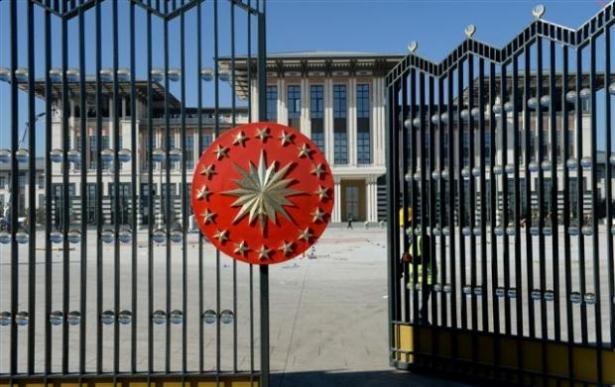 Yeni Cumhurbaşkanlığı binasına tabela asıldı 26