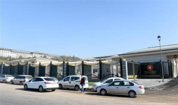 Yeni Cumhurbaşkanlığı binasına tabela asıldı 7