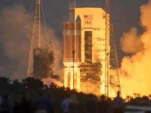 NASA, Orion'un test uçuşuna başladı