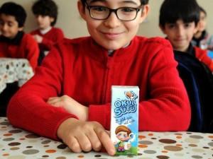 İlk ders 'Okul sütüyle' başladı