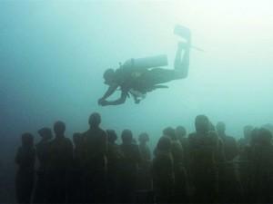 Denizin dibinde ürkütücü manzara