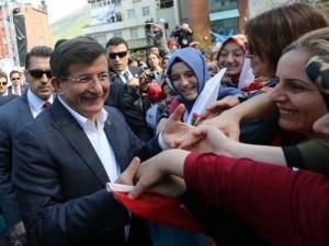 Davutoğlu'nda Doğu Karadeniz'de sevgi seli