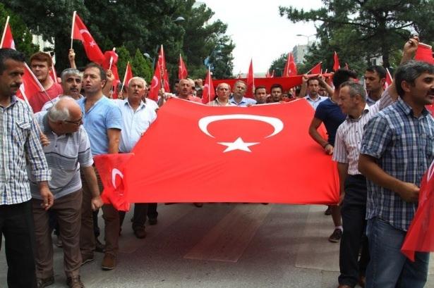 Türkiye'de teröre lanet yürüyüşleri 1