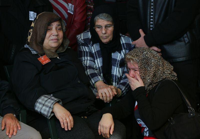 Şehitler gözyaşlarıyla son yolculuğuna uğurlandı 39