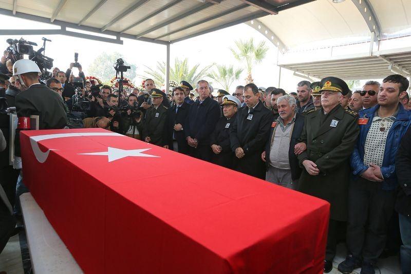 Şehitler gözyaşlarıyla son yolculuğuna uğurlandı 40
