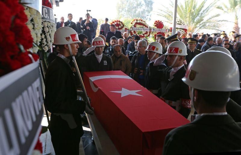 Şehitler gözyaşlarıyla son yolculuğuna uğurlandı 52