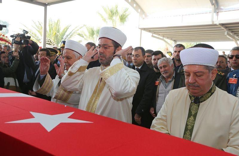Şehitler gözyaşlarıyla son yolculuğuna uğurlandı 53