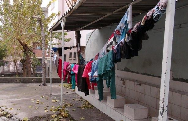 Cizre'de çatışmalar sürüyor, bazı aileler camiye sığındı 2