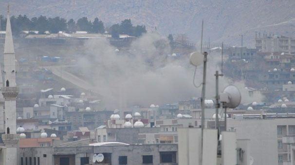 Cizre'de çatışmalar sürüyor, bazı aileler camiye sığındı 8