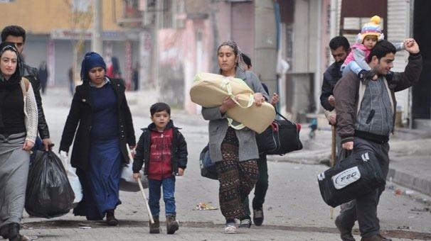Cizre'de çatışmalar sürüyor, bazı aileler camiye sığındı 9