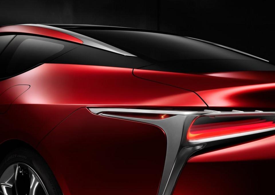 BMW 6'ya yeni rakip: Lexus LC 500 2017 24