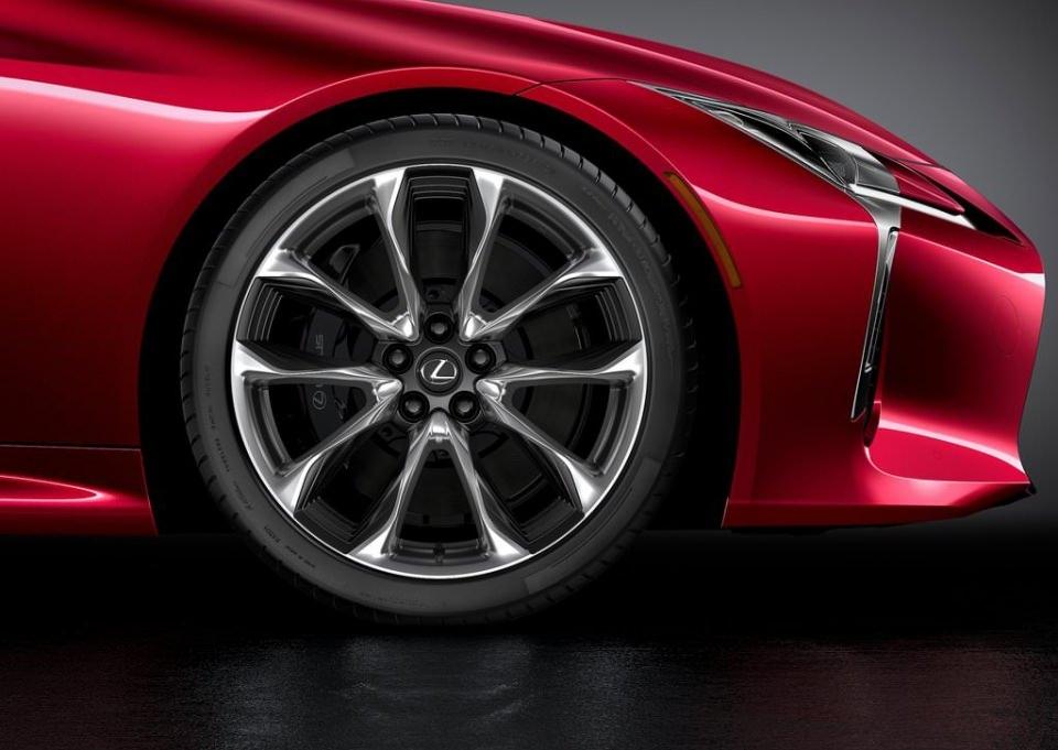 BMW 6'ya yeni rakip: Lexus LC 500 2017 27