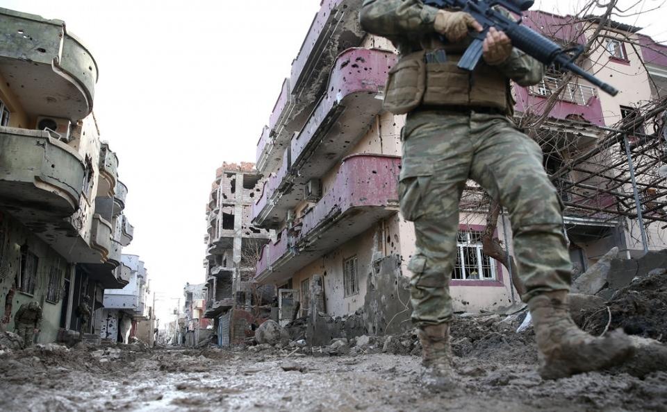 Cizre'de PKK'nın inlerine operasyon 11