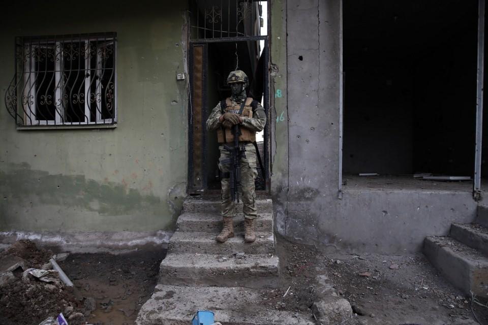 Cizre'de PKK'nın inlerine operasyon 14