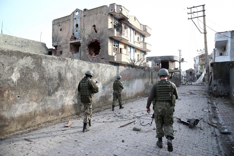 Cizre'de PKK'nın inlerine operasyon 17