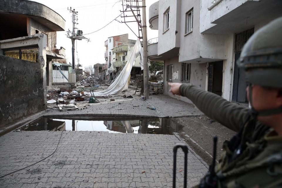 Cizre'de PKK'nın inlerine operasyon 18