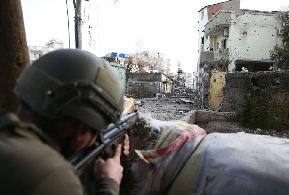 Cizre'de PKK'nın inlerine operasyon 21