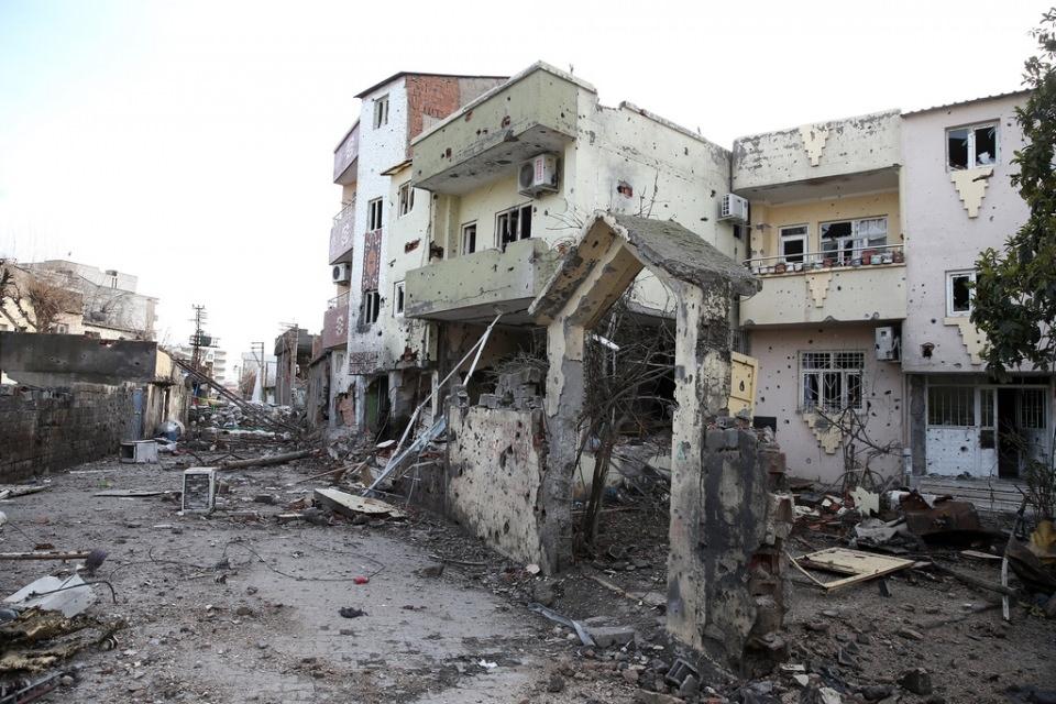 Cizre'de PKK'nın inlerine operasyon 24
