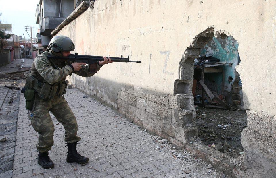 Cizre'de PKK'nın inlerine operasyon 25