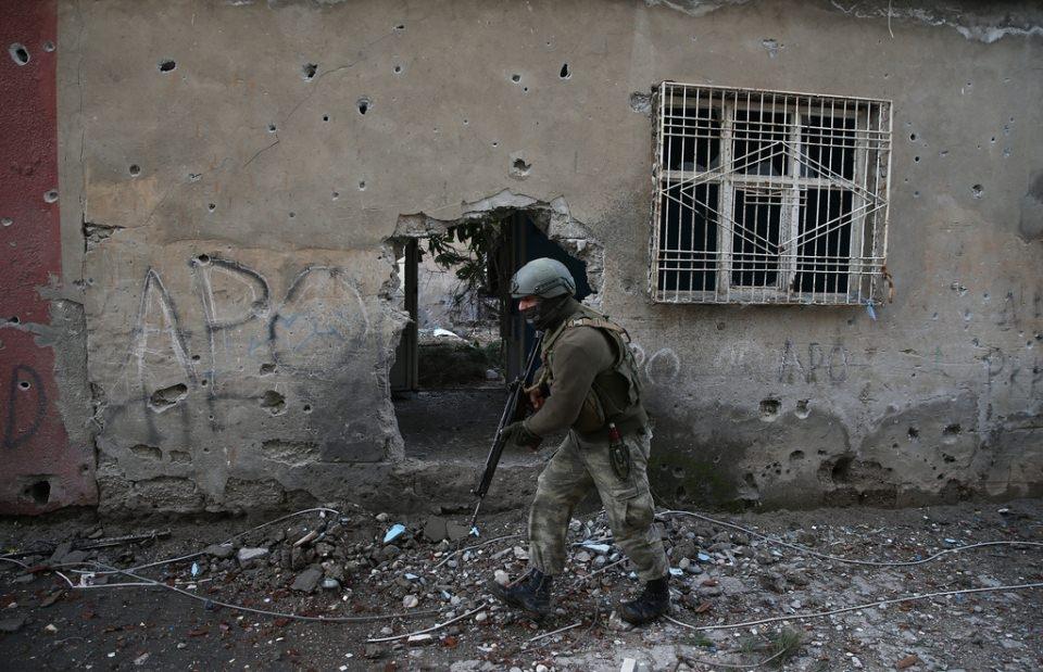 Cizre'de PKK'nın inlerine operasyon 40