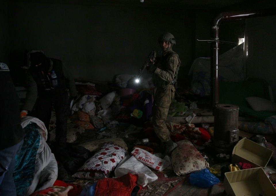 Cizre'de PKK'nın inlerine operasyon 50