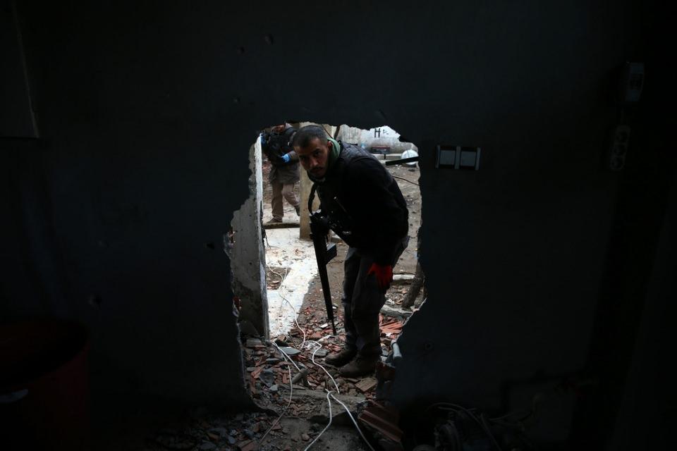 Cizre'de PKK'nın inlerine operasyon 52