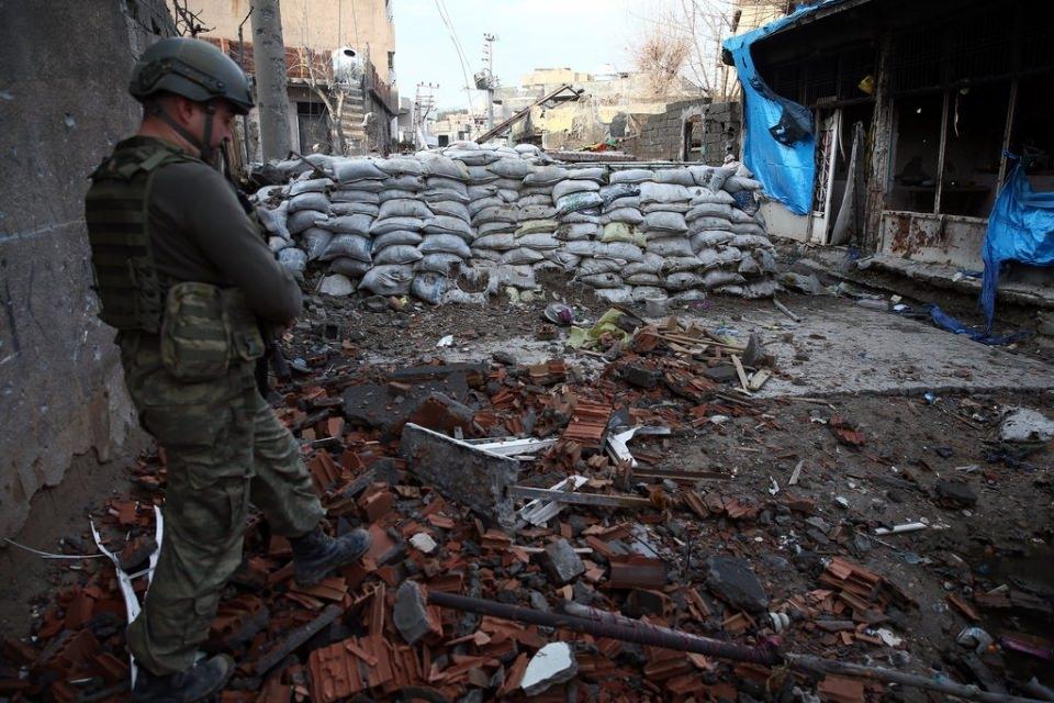 Cizre'de PKK'nın inlerine operasyon 54